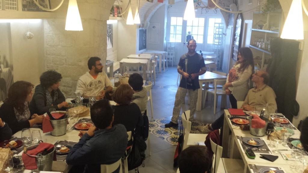 Lo chef spiega le preparazioni