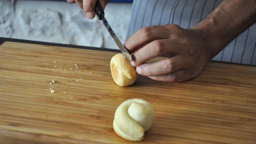 Alla scoperta della cucina pugliese: realizziamo insieme friselle e taralli