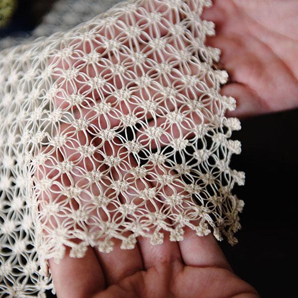 Alla scoperta delle tradizioni con laboratori sull'artigianato pugliese: laboratorio di ricamo